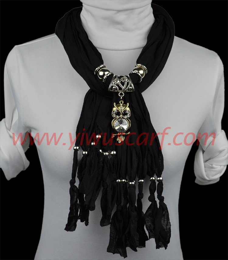 summer of women necklaces scarves