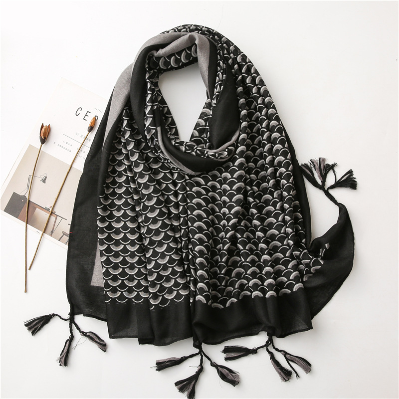 Color fish scale striped scarf wholesale