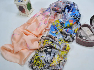 Female bright color decorative pattern scarf wholesale