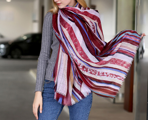 Factory direct sales ladies stripes printing new stripes printed cotton scarves