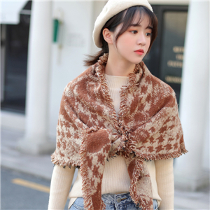 Wholesale printed tassel cashmere triangle scarf