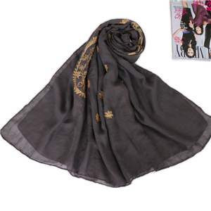 Wholesale Muslim cotton gold embroidered cashew printed scarf