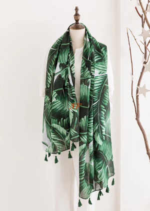 Spring section selling green leaves pattern tassels scarves