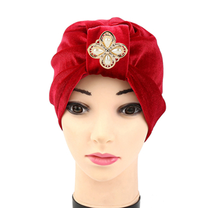 Pearl four-petal velvet Muslim cheap head scarf
