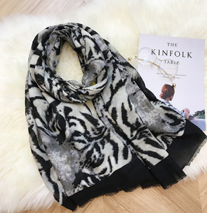 Wholesale Leopard cotton scarf woman fringed shawl