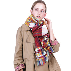 Wholesale color lattice cashmere tassel scarf