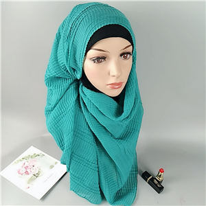 Wholesale solid color crumpled cotton muslim scarf