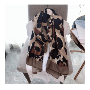 Wholesale leopard pattern warm cotton scarf