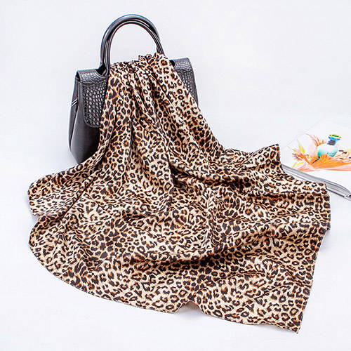 Wholesale 90cm printed leopard print square scarf
