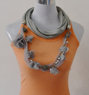 Scarf with pendant wholesale
