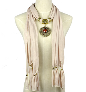 Gold alloy pendant jewelry scarf