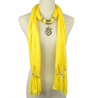 fashion scarves with pendant