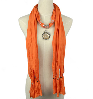Alloy pendant jewelry scarf
