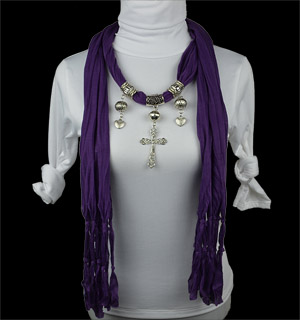 Scarf necklace with pendant
