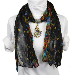 Animal pendant jewelry scarf
