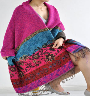 The new winter upset wool shawls ladies scarf