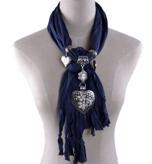 Heart diamond pendant scarf