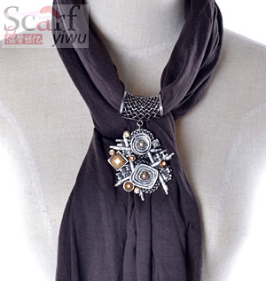 fashion pandant scarf with jewelry