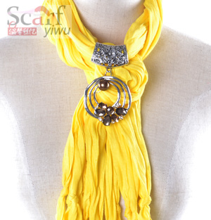 Wholesale Alloy Pendant Scarf