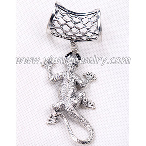 Gecko pendant scarf fashion accessories