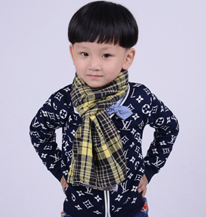 Plaid scarf for children