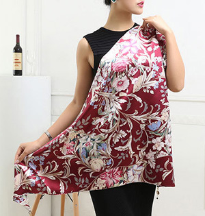 Wholesale triangle silk scarf