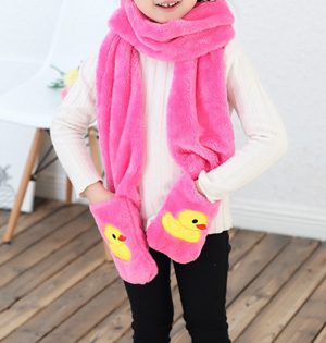 Wholesale kids pocket knitted scarf